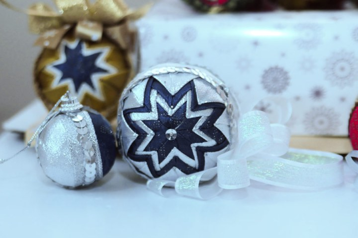 christmas-ornaments-blue