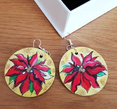 earrings-hand-paited-wood-Christmas-flowerBath