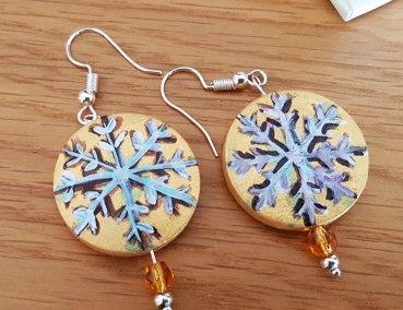 earrings-hand-paited-wood-snowflake