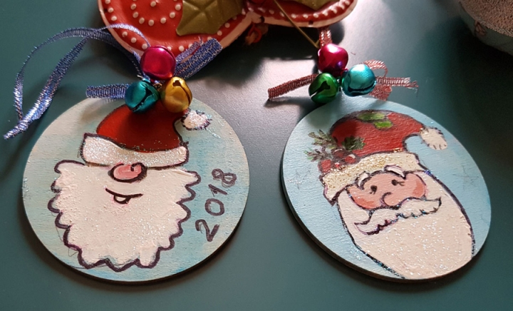 hangingchrismastree-decorations-hand-painted-on-wood-funny-santas