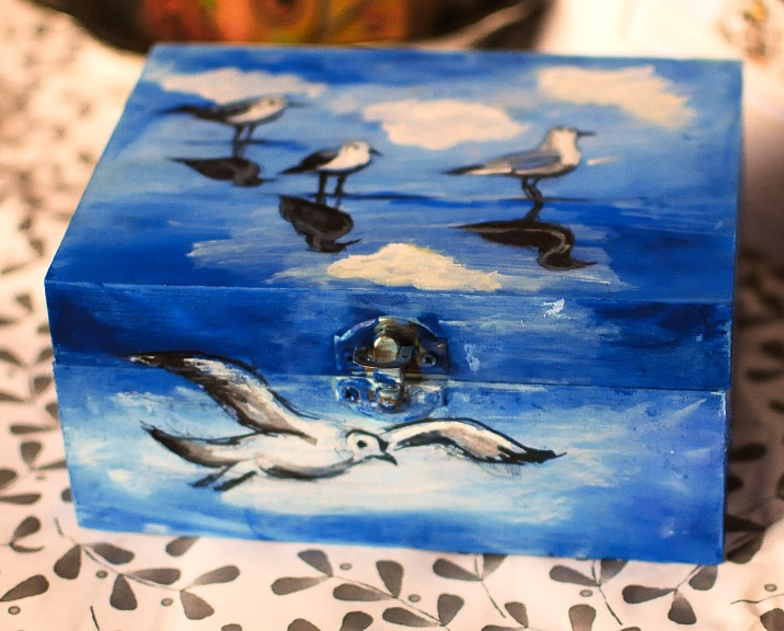 Hand-painted-bluewooden-box-jewellery-seaseagulls-loverof-the-sea-3