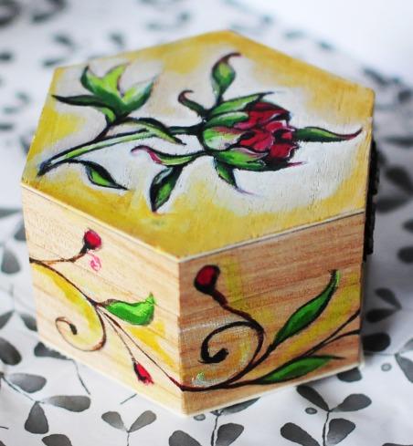 Hand-painted-jewellery-box-wood-gift-inside-1