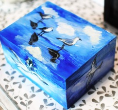 Hand-painted-wooden-box-jewellery-giftblue-seaseagulls-loverof-the-sea-3