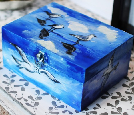 Hand-painted-wooden-box-jewellery-giftblue-seaseagulls-loverof-the-sea