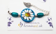hand-painted-original-bracelet-daisy-flower-pattern-bleu-wood-beautiful-gift-for-her