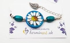 hand-painted-original-bracelet-daisy-flower-pattern-bleu-wood-beautiful-gift-for-her