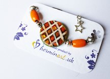 hand-painted-original-bracelet-geometric-shape-orange--wood-beautiful-gift-for-her