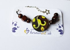 hand-painted-original-braceletr-brown-yellow-pattern-arabesk-wood-beautiful-gift-for-her