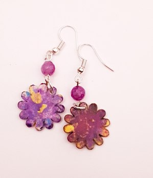 hand-painted-original-earrings-abstract-wood-beautifu-purple-small-colourful-gift-for-her