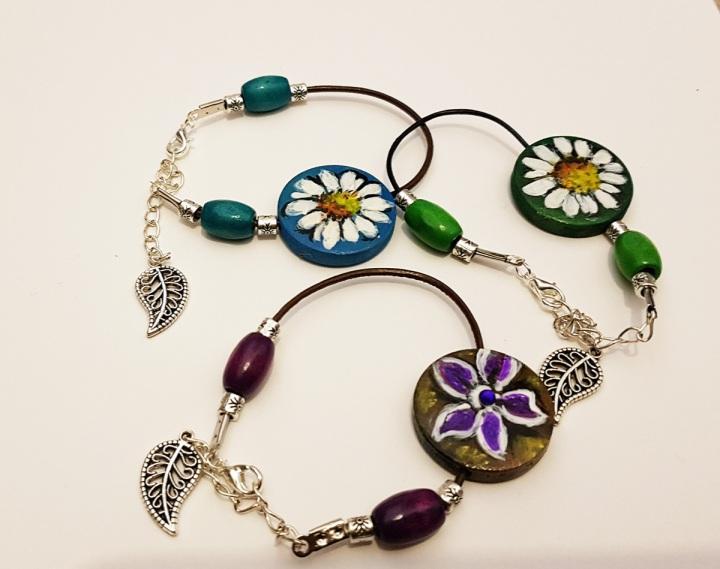 Daisy bracelets handpainted