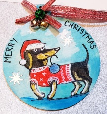 -hand-painted-bauble-pet-portrait-custome-gift-chrismastree-decorations-on-wood-funny-dog