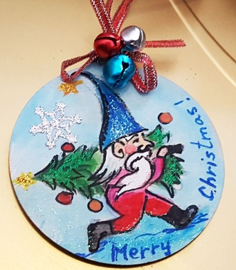 hand painted hangingchrismastree-decorations-hand-painted-on-wood-gnom-merry-christmas