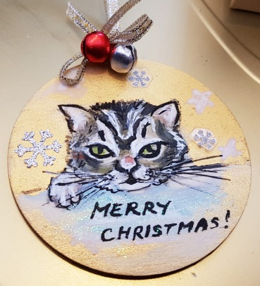 hand-paintedchrismas-tree-decorations-hand-painted-on-woodcat-portrait-personalized-giftfor-Christmas-merry-christmas