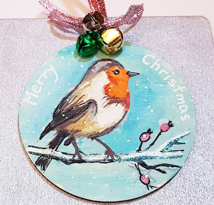 hanp-painted-chrismastree-decorations-hanging-on-wood-robin-winter-christmasgiftpersonalised